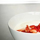 Fresh strawberries with yoghurt