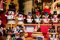 Souvenir-business, sale, wood-figures, business, souvenirs, carvings, woodcuttings, Räuchermännchen, Christmas-articles, Christmas-decoration, decorat...