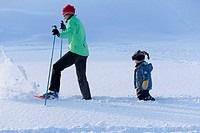 Woman, ski-cross-country skiing, child, winter-landscape