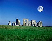 STONEHENGE RUINS, SALISBURY PLAIN, WILTSHIRE ENGLAND, UK