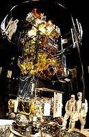 06/08/2002 ___ VANDENBERG AFB, CALIF. __ The Lockheed Martin Missiles & Space National Oceanic and Atmospheric Administration´s NOAA_M satellite is pr...