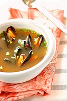 mussel and saffron nage