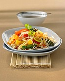Chinese egg noodles with vegetables