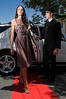 Woman on red carpet (thumbnail)