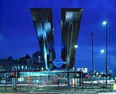 VAUXHALL BUS STATION, VAUXHALL, LONDON, SW8 SOUTH LAMBETH, UK, ARUP ASSOCIATES, EXTERIOR, NIGHT VIEW