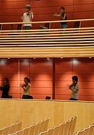 MENUHIN HALL _ YEHUDI MENUHIN SCHOOL, STOKE D'ABERNON, COBHAM, SURREY, UK, BURRELL FOLEY FISCHER LLP, INTERIOR, AUDITORIUM IN REHEARSAL