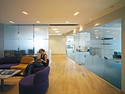 UNIVERSAL MUSIC GROUP, HIGH STREET KENSINGTON, LONDON, W14, UK, DEGW PLC, INTERIOR, OFFICE FLOOR BREAK OUT SPACE