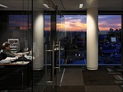 CARLSON CAPITAL, KNIGHTSBRIDGE, LONDON, SW1 VICTORIA, UK, RYDER HKS, INTERIOR, SUNSET AND OFFICE