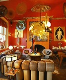 LES TROIS GARCONS, 1 CLUB ROW, LONDON, E1 ALDGATE, UK, UNKNOWN OR N/A, INTERIOR, RETRO LIVING AREA WITH LEATHER SOFA