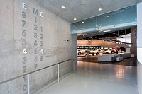MERCEDES MUSEUM, MERCEDESSTRASSSER 100, STUTTGART, GERMANY, UN STUDIO BEN VAN BERKEL AND CAROLINE BOS, INTERIOR, FLOOR SIGNAGE THROUGH TO ´VISIONARIES...