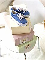 Shoe and shoe boxes