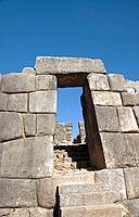 Peru, near Cuzco, Sacsayhuaman, ancient fortified wall, classic doorway