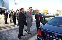 S.A.R. El Principe de Asturias saluda a Paulino Luesma, Delegado del Gobierno en el pais Vasco, Jornada ´La empresa globalizada...´ organizada por Rea...