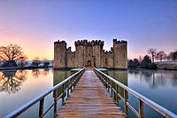 bodiam castle at dawn on winter day east sussex kent border england uk europe
