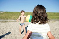 Germany, Lower Saxony, Butjadingen, beach, boy, girl, ball_games, detail, series, North Sea