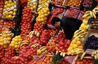 Istanbul: The Royal City Fruit vendor