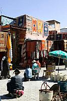 Morocco, Marrakech, Souk, sale, carpets, bags, salespersons, pedestrians, Africa, North_Africa, destination, city, sight, market, trade, retails, econ...