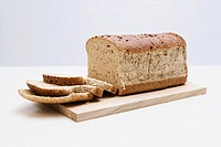 Sliced brown bread (thumbnail)