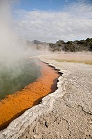 Wai_o_tapu hot springs