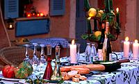 Table setting in southern ambience (thumbnail)