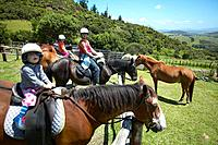 Tour on horseback, family, Okopako Lodge, near Opononi, at Hokianga Harbour, Northland, North Island, New Zealand