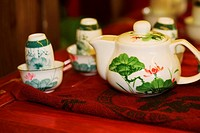 Close_up of a teapot with tea cups, Hefei, Anhui, China