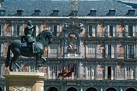 Spain _ Madrid _ Plaza Mayor _ Casa de Panaderias _ statue of King Philippe III