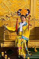China _ Beijing PÚkin _ Forbidden City _ Young woman dressed in a traditional costume