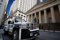 Wall Street police, Manhattan, NYC, USA