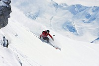 Austria, Tyrol, Zillertal, Gerlos, Freeride, Man skiing downhill