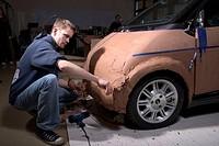 Modelauto aus Industrieplastelin