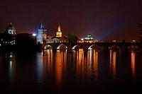 Prag bei Nacht II