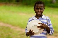 Das Mädchen mit dem Teller