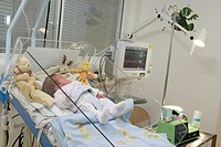PREMATURE BABY Photo essay at the hospital of Meaux 77, France. Department of neonatology. Enteral feeding of a premature baby by stomach tube through...