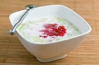 Suong Sa Hot Luu _ Vietnamese dessert with coco milk, tapioca pearls, water spinach and agar