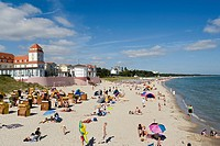 People at the beach and the Kurhaus, Binz, Ruegen, Baltic Sea, Mecklenburg_Western Pomerania, Germany, Europe