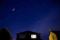 House and night sky (thumbnail)