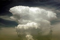Thunderhead _ Dramatic cumulus clouds