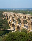 Roman aqueduct, the Pont du Gard, UNESCO World Heritage Site, in the Languedoc Roussillon, France, Europe