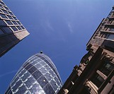 30 St Mary Axe, City of London The Gherkin, Swiss Re Tower, 1997_2004. Commissioned by Swiss Re. View from distance. Architect: Foster and Partners. E...
