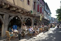 Cafe and half_timbered buildings, Place de la Couverts, Mirepoix, Ariege, Midi_Pyrenees, France, Europe