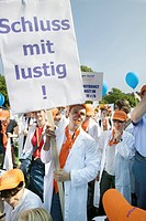 Stuttgart, DEU, 06.09.2005: 6000 physicians followed the call of the Marburg federation for a strike and demonstration on the Stuttgart palace square....