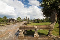 Angkor Wat after an afternoon rain