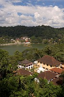 The Temple of the Tooth, housing the tooth relic of the Buddha, and Kandy Lake, Kandy, UNESCO World Heritage Site, Sri Lanka, Asia