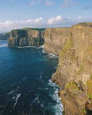 O´Brian´s Tower and Breanan Mor seastack looking from Hag´s Head, the Cliffs of Moher 230m cliffs, County Clare, Munster, Republic of Ireland Eire, Eu...