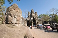 South Gate enterance to Angkor Thom, Angkor, UNESCO World Heritage Site, Siem Reap, Cambodia, Indochina, Southeast Asia, Asia