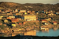 Town of Ilulissat at 2.30 am enjoying the midnight sun in summer, west coast, Greenland, Polar Regions