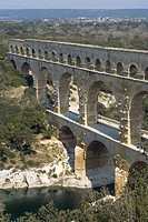 Roman aqueduct, Pont du Gard, UNESCO World Heritage Site, Languedoc, France, Europe