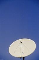 Parabolantenn Mot Blå Himmel , Dish Antenna Against Sky
