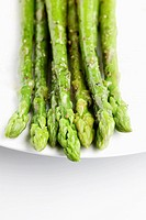 Water droplets on asparagus close-up (thumbnail)